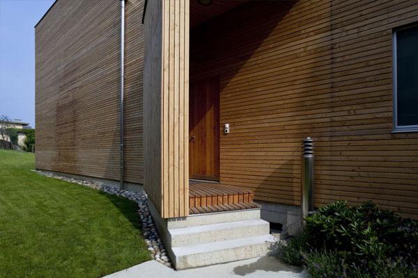 Lesena obešena fasada